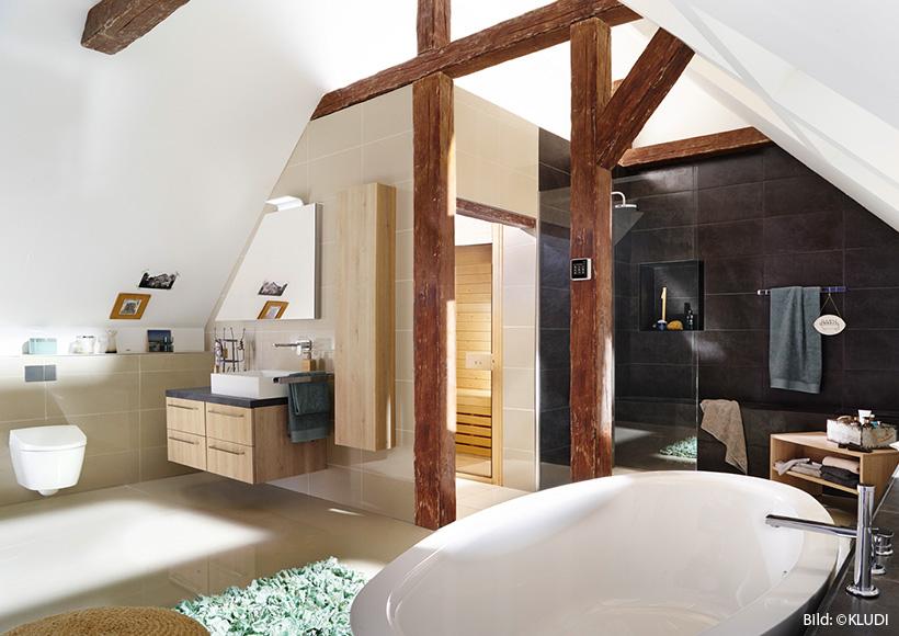 Gestaltungstipps für ein Bad mit Schräge - Timo Barz ...